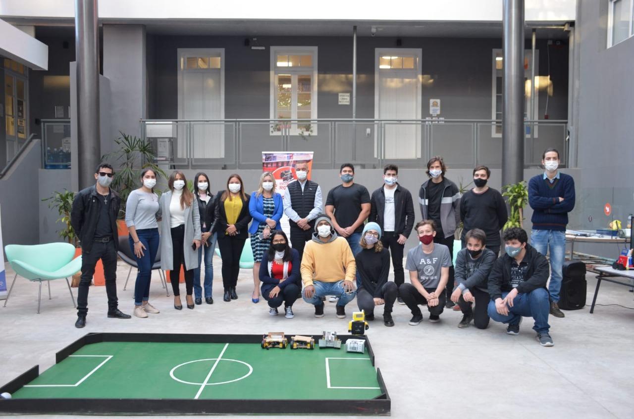 """La Escuela de Robótica de Misiones dio inicio a la """"Copa Robótica Misiones"""""""